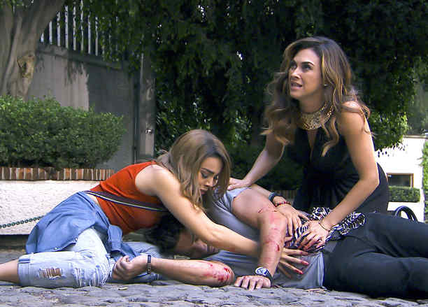 Aracely Arámbula, Danna Paola y David Chocarro en La Doña
