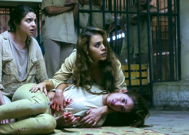 Danna Paola y Gisselle Kury en La Doña