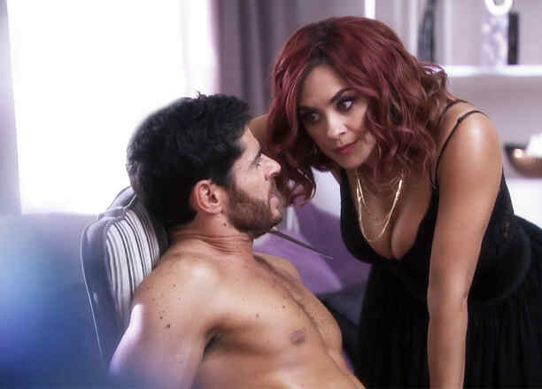 Aracely Arámbula, Altagracia, sensual, La Doña