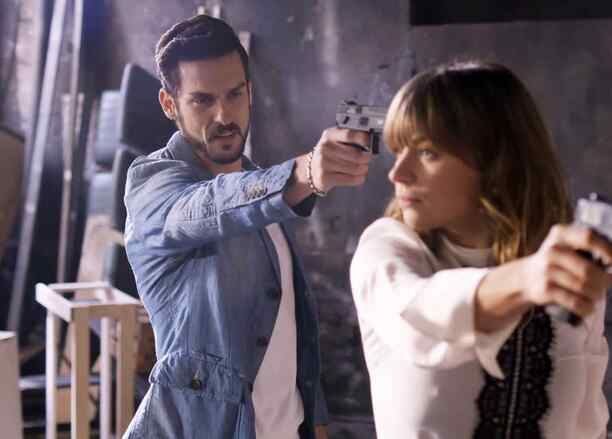 Ludwika Paleta y Michel Chauvet en La Querida del Centauro 2