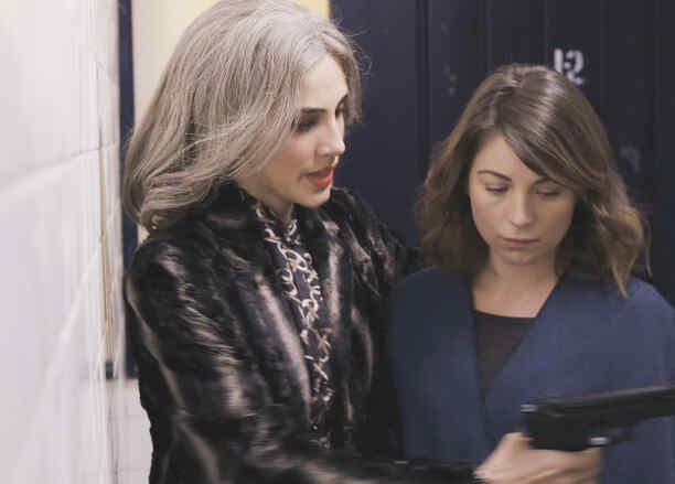 Sandra Echeverría y Ludwika Paleta en La Querida del Centauro