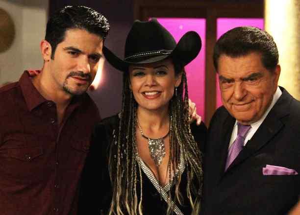 Angelica Celaya y Pepe Gámez en Mariposa de Barrio
