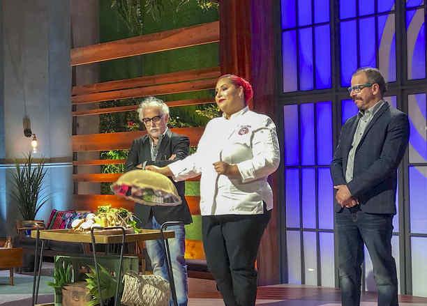Chef Claudia Sandoval imparte masterclass en MasterChef Latino 2