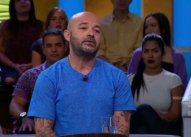 """""""La cárcel de mis sueños"""" y """"Estafa en el volcán"""""""