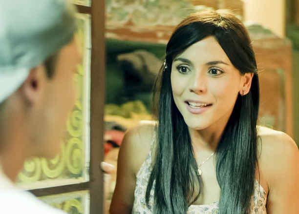 Carolina Gaitan enamorada en Sin Senos Si Hay Paraiso