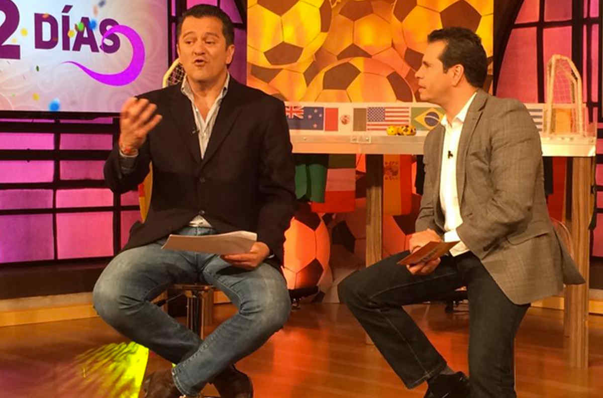 Carlos Hermosillo junto a Diego Schoening