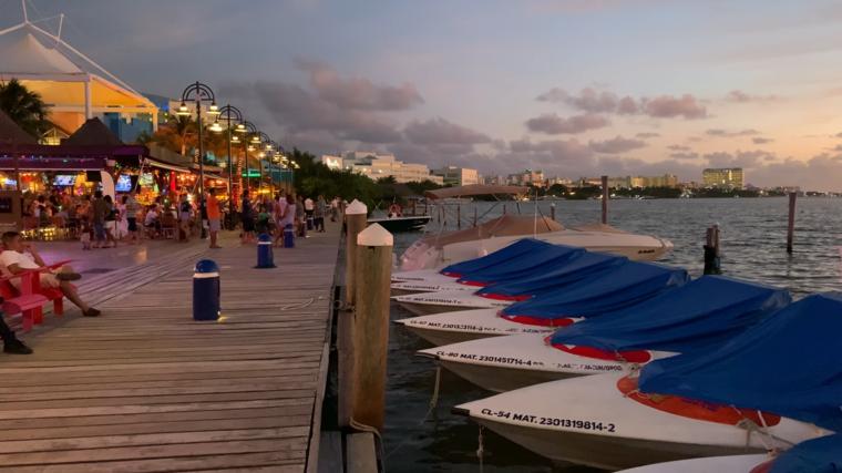 La Banda de la Riviera Maya controla cerca del 10 por ciento de un mercado delictivo de 2000 millones de dólares. Cancún era uno de los epicentros de sus actividades.