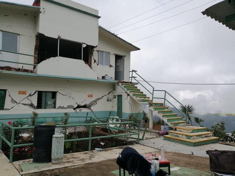 Edificio sufrió daños estructurales en el estado de Oaxaca.