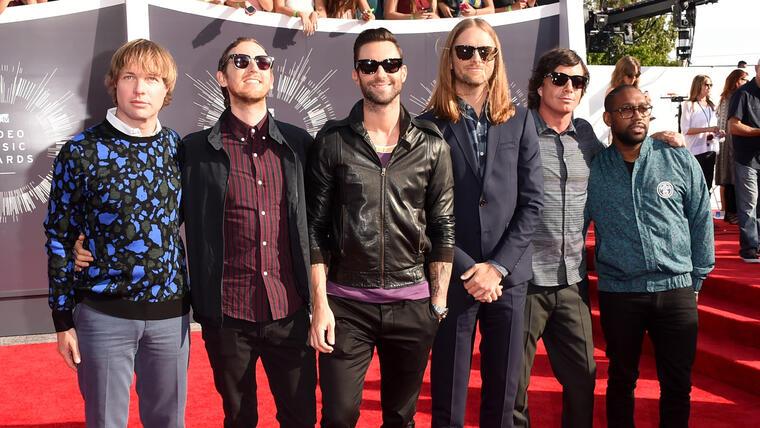 Maroon 5 en la alfombra de MTV Video Music Awards 2014