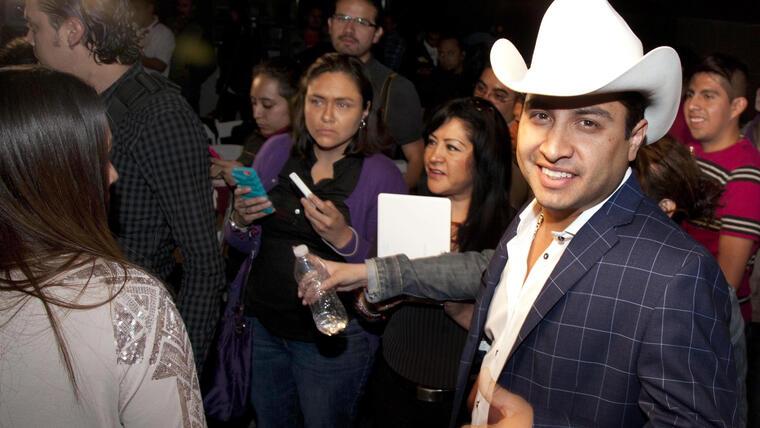 Julion Alvarez en concierto en 2015