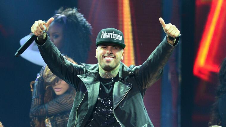 Nicky Jam se presentó en el escenario de Premios Billboard Latin 2015