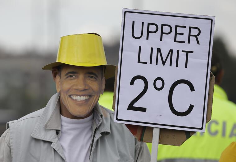 CAMBIO CLIMATICO CONFERENCIA PARIS hombre disfrazado del presidente obama
