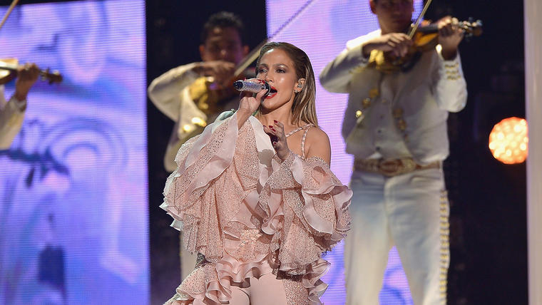 Jennifer Lopez en los Premios Billboard de la Música Latina 2015