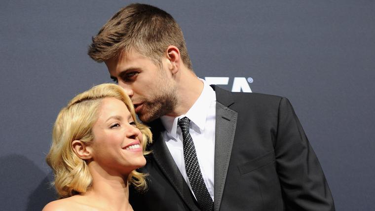 Shakira y Gerard Piqué en la presentación del Balón de Oro 2015