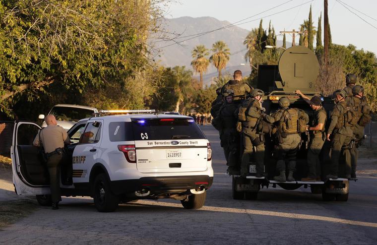 Dos mujeres en San bernardino en escena dee tiroteo