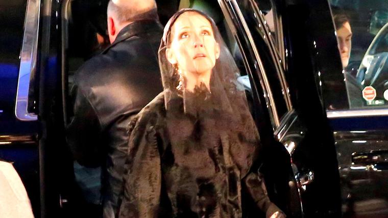 Celine Dion durante el funeral de su esposo en 2016