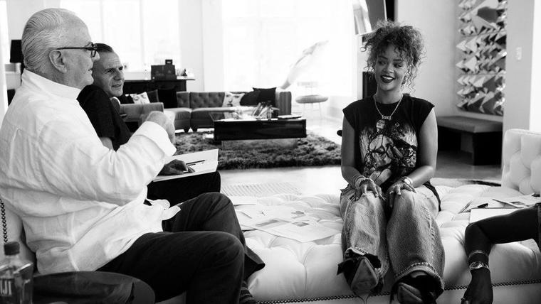 Rihanna y Manolo Blahnik colaboraron en el diseño de una línea de zapatos