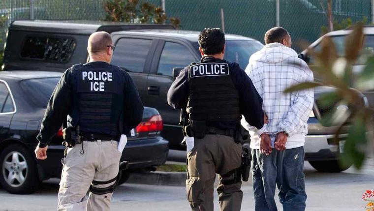 Agentes de ICE en una imagen de archivo.