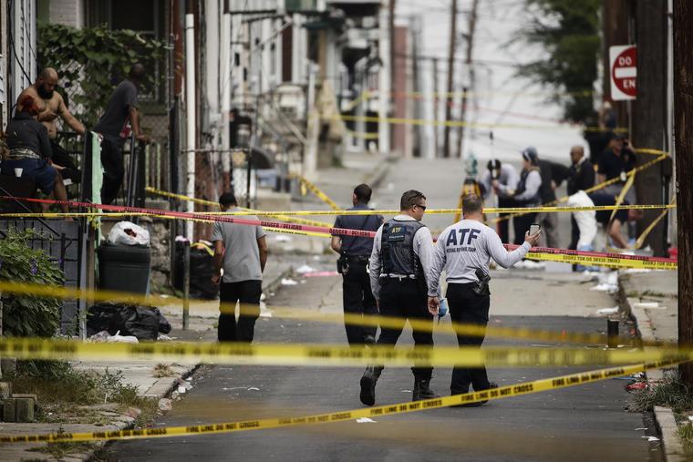 Investigación de la escena del crimen, el lunes en Allentown.