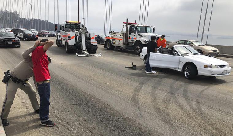 Imagen de archivo de una detención de la policía de carreteras en California el pasado mes de agosto.