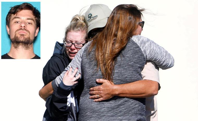 Dolor en Thousand Oaks el jueves tras la matanza. A la izquierda, imagen de archivo del asesino.