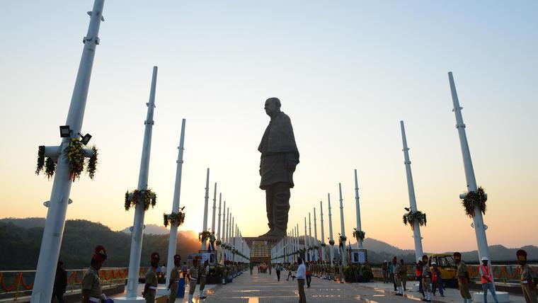 Estatua de la Unidad en la Inda