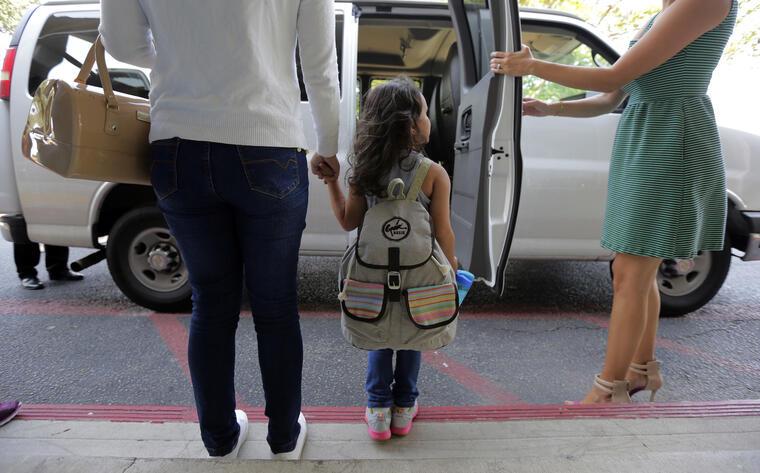 Natalia Oliveira da Silva y su hija Sara, de cinco años, después de ser reunificadas en San Antonio el pasado 23 de julio.