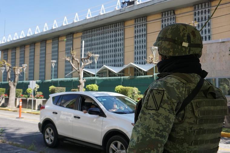 Estallan granadas en consulado de Estados Unidos en ciudad de Guadalajara