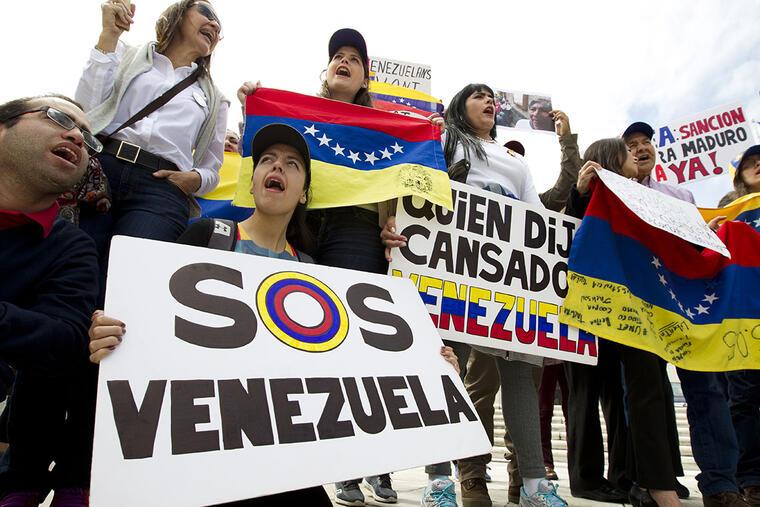 Venezolanos en Washington protestan por las condiciones deplorables de su país.