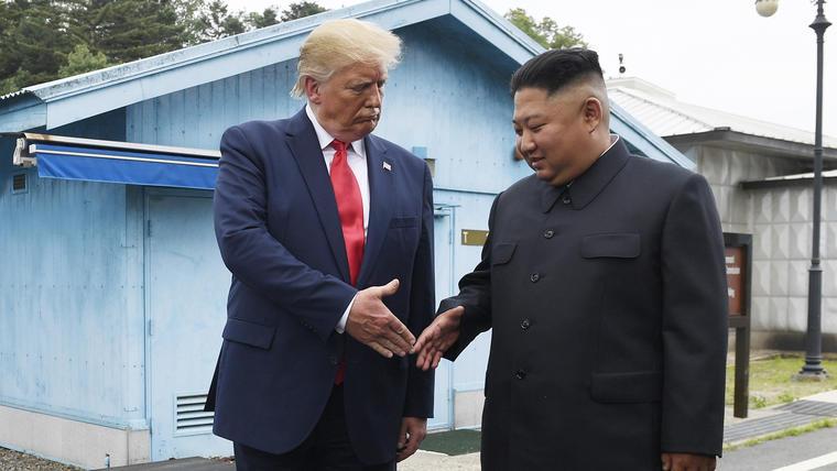 Donald Trump y Kim Jong Un en un encuentro en Corea del Norte, en junio de 2019.