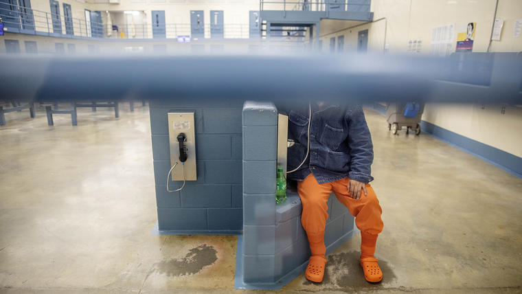 Un inmigrante detenido en la prisión de Stewart, en Lumpkin, Georgia.