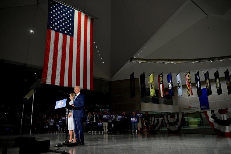 Joe Biden habla en el Centro Nacional de la Constitución en Filadelfia.