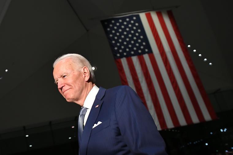 El exvicepresidente Joe Biden después de hablar en el Centro Nacional de la Constitución en Philadelphia, Pennsylvania, 10 de marzo de 2020.