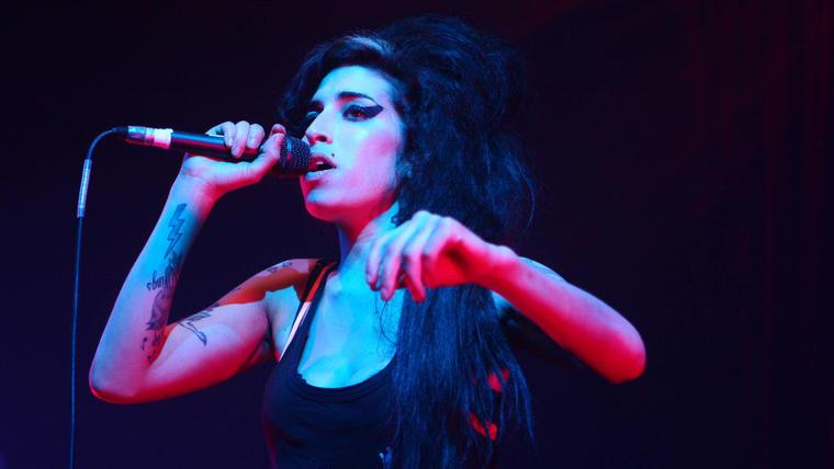 Amy Winehouse en concierto en The Ambassador