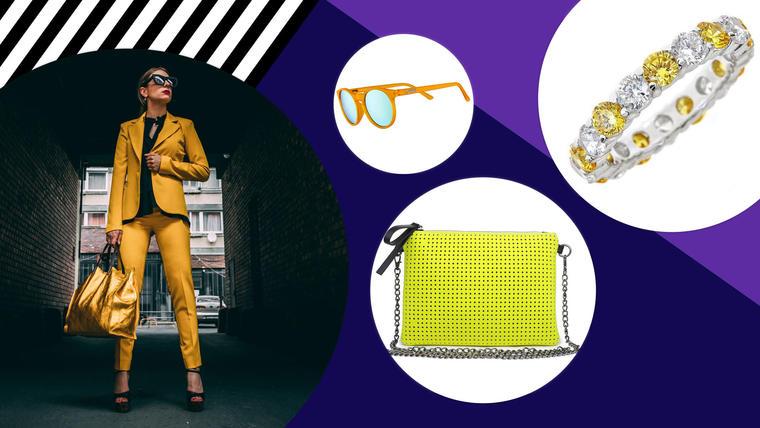 Mujer con accesorios amarillos