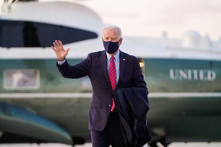 """El presidente, Joe Biden, dijo en una entrevista con la cadena CBS News que Donald Trump """"no estaba apto para ser presidente"""" de Estados Unidos."""