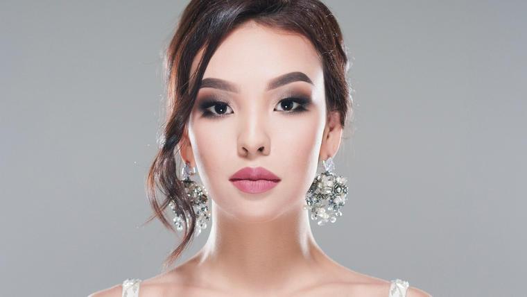 Kamila Serikbai Miss Kazajstán Universo