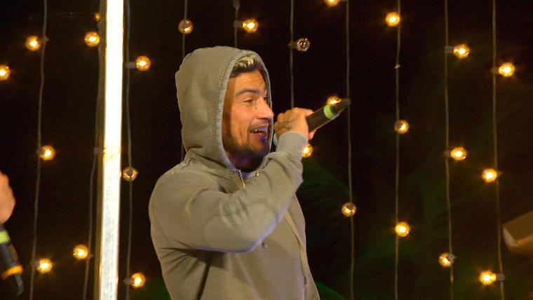 Kelvin canta en la Fortaleza