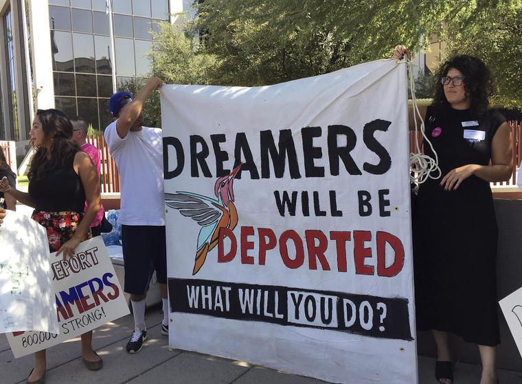 Protesta a favor de DACA el 28 de agosto en Phoenix, Arizona.