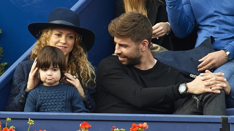 Shakira, Gerard Piqué y Milan en 2015
