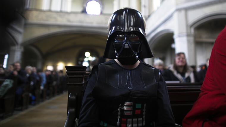 """Iglesia en Alemania celebra misa con el tema de """"Star Wars"""""""