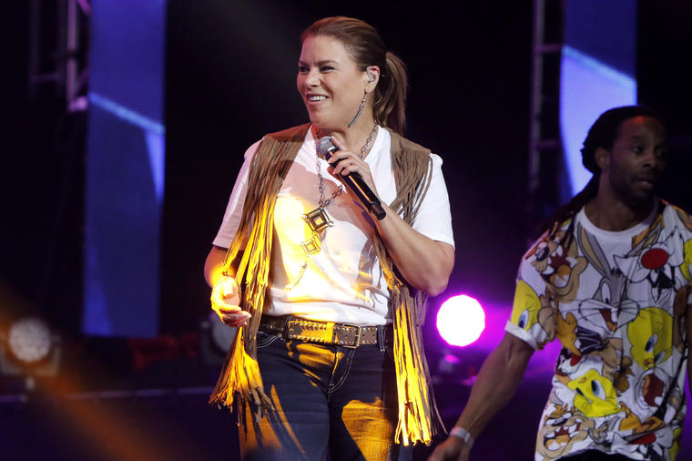 Olga Tanon - Premios Tu Mundo - Season 2015