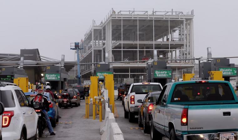 El puerto de entrada de San Ysidro en una foto de archivo.
