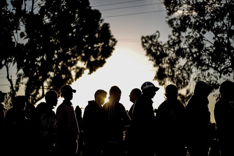 Caravana caldea ambiente político en Tijuana con alcalde como protagonista