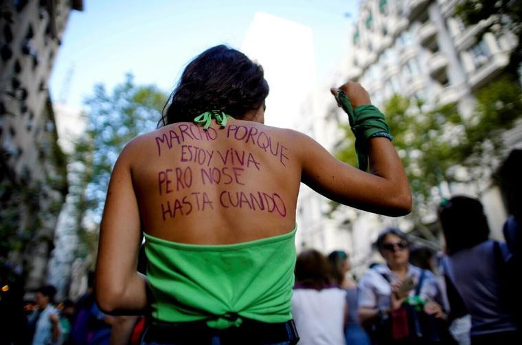 Una joven protesta en una marcha por el Día Internacional de la Mujer el pasado 8 de marzo.