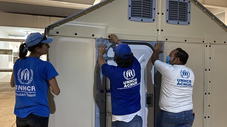 La ACNUR instala unidades móviles para refugiados en México