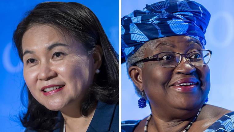 La ministra surcoreana de Comercio, Yoo Myung-hee, a la izquierda, y la exministra de Finanzas nigeriana Ngozi Okonjo-Iweala
