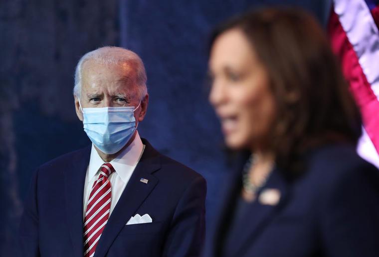 Biden y Harris explican sus planes económicos al país.