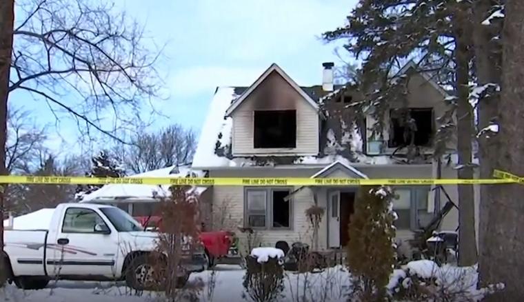 Un incendio en una casa de Des Plaines en las afueras de Chicago mata a cuatro niñas y una mujer
