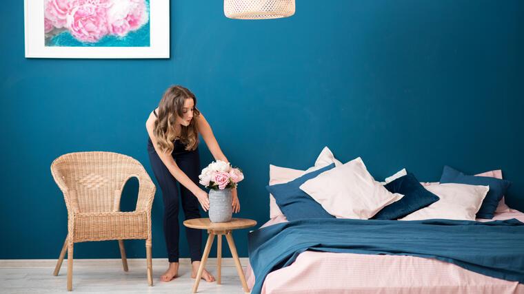 Nuestros 12 artículos esenciales para elevar tu dormitorio | Telemundo